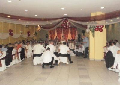 Flúgos futam - székkel a menyasszony kegyeiért