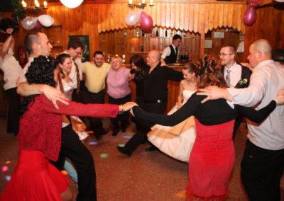 Igazi zenei kavalkád, a magyar mulatós mellett sikere volt a fergeteges görög zorba táncnak is